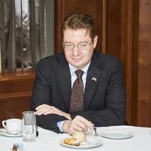 CWN_Winner_Breakfast_with_the_Ambassadors_007